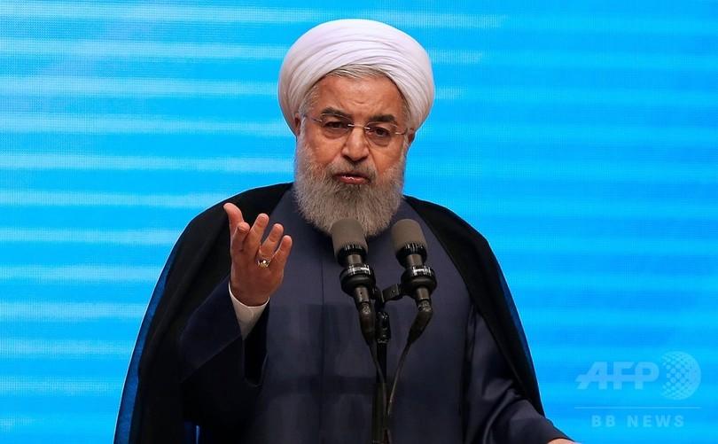 イラン大統領、米離脱でも核合意残留を示唆