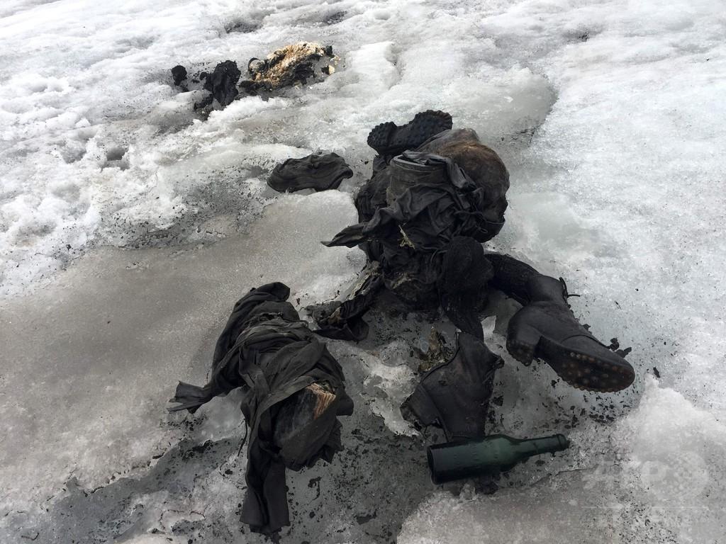75年間行方不明の夫婦、解けた氷河から遺体で発見 スイス