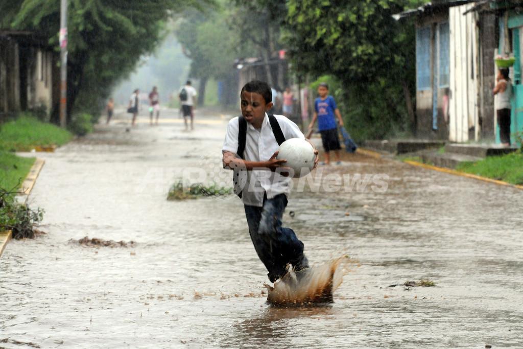 ニカラグアで1週間連続豪雨、2人死亡