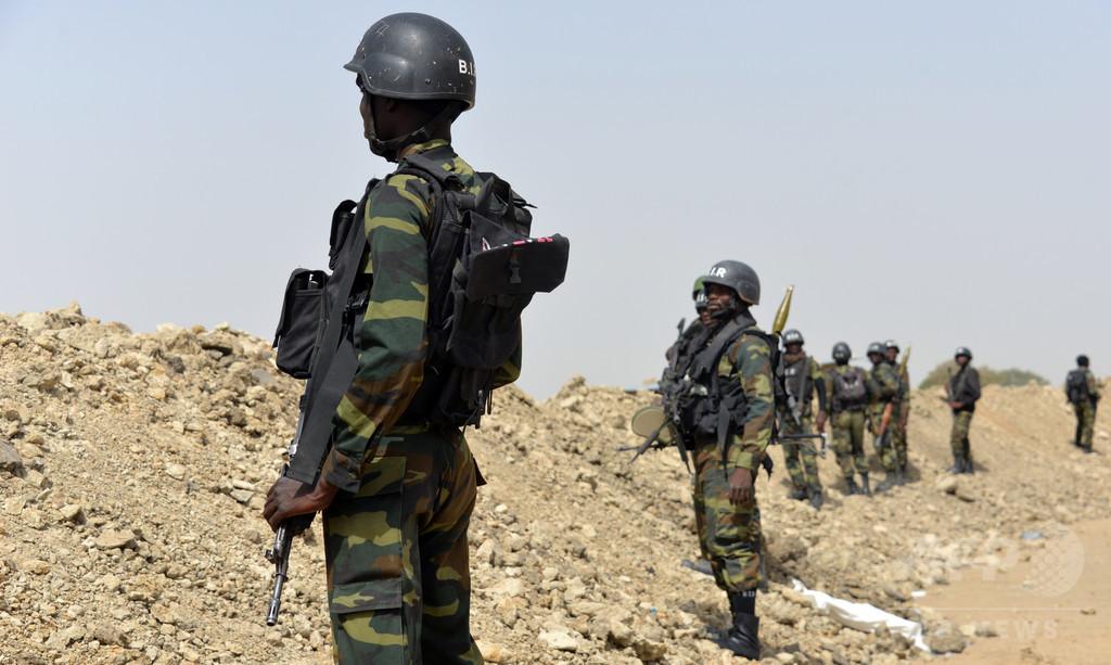 カメルーン北部で若い女が自爆攻撃、遊んでいた子ども5人死亡