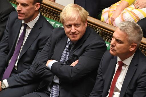 英議会がEU離脱案採決見送り、首相は延期要請の書簡送るも署名せず