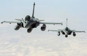 仏軍、イラクで「イスラム国」に初の空爆