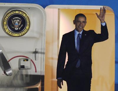 オバマ大統領、日本に到着