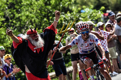 【写真特集】「悪魔おじさん」~世界一有名な自転車ロードレースファン~