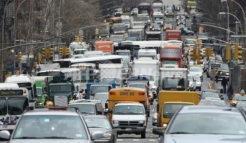 ガソリン高騰の米社会で人気をよぶ在宅勤務