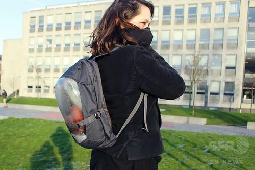 大気汚染と闘う「植物リュック」、大学生チームが考案 オランダ