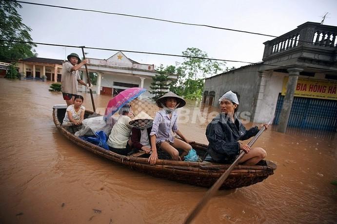 台風9号、ベトナム北部で死者・不明125人