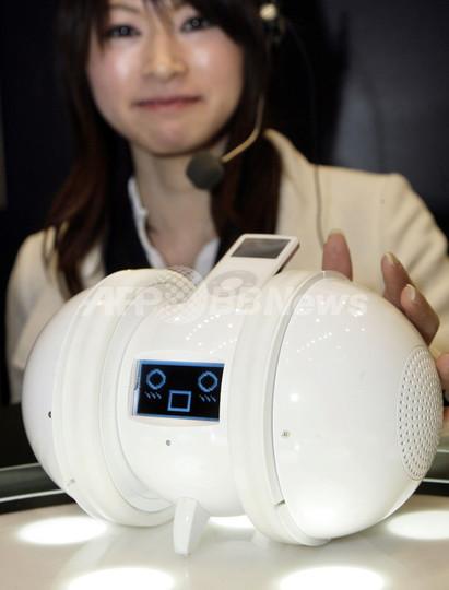 感情表現する音楽ロボット「ODO」、セガトイズが発表