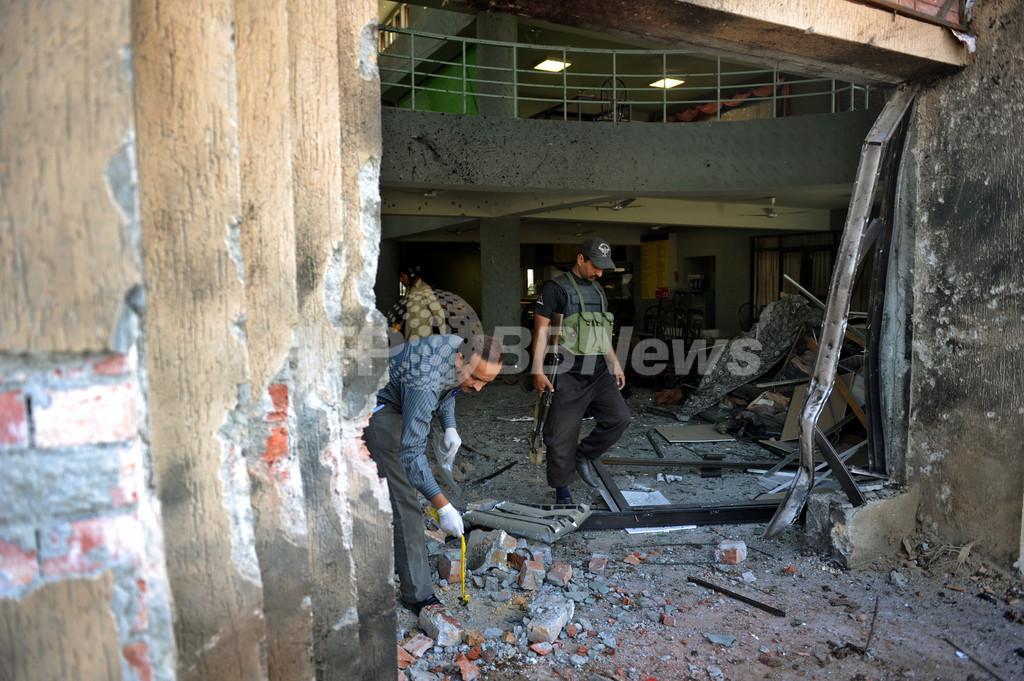パキスタンの大学で連続自爆攻撃、少なくとも7人死亡