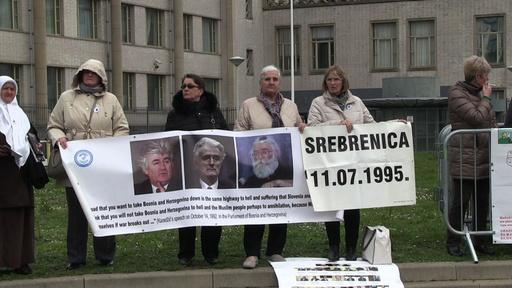 動画:元セルビア人指導者カラジッチ被告に終身刑の確定判決 国際刑事法廷