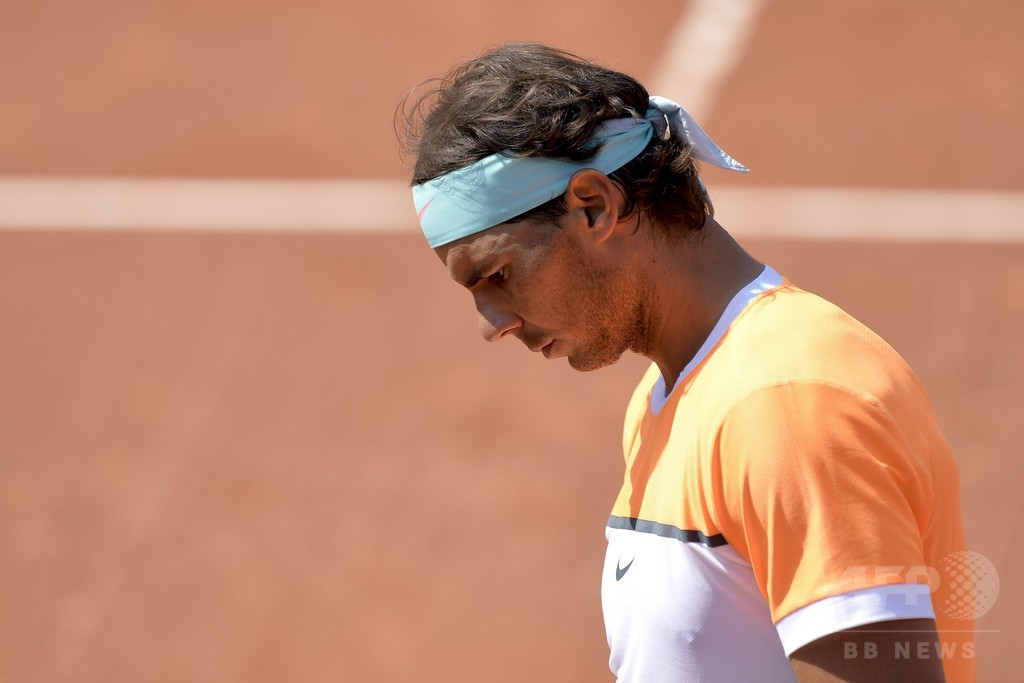 ナダル、「最悪」のプレーでフォニーニに敗れる バルセロナ・オープン