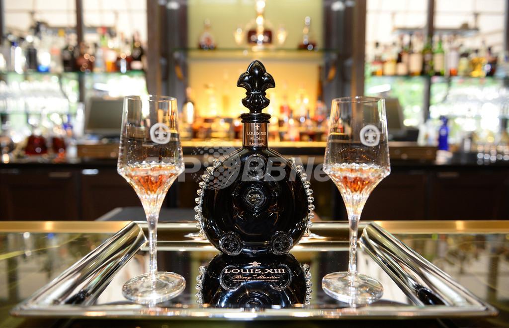 レミー・マルタン「ルイ13世 レア・カスク42.6」米フォーシーズンホテルで展示