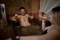 ビール好きの楽園? スペイン初の「ビールスパ」がオープン グラナダ