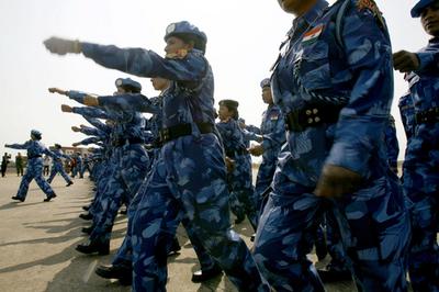 国連初、女性だけの平和維持軍がリベリアに到着 - リベリア