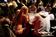 「脱衣ポーカー大会」決勝戦、ドイツ