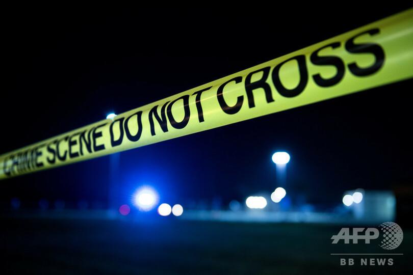 米警官 「自宅と間違えて入った」アパートで発砲、男性死亡 写真1枚 ...