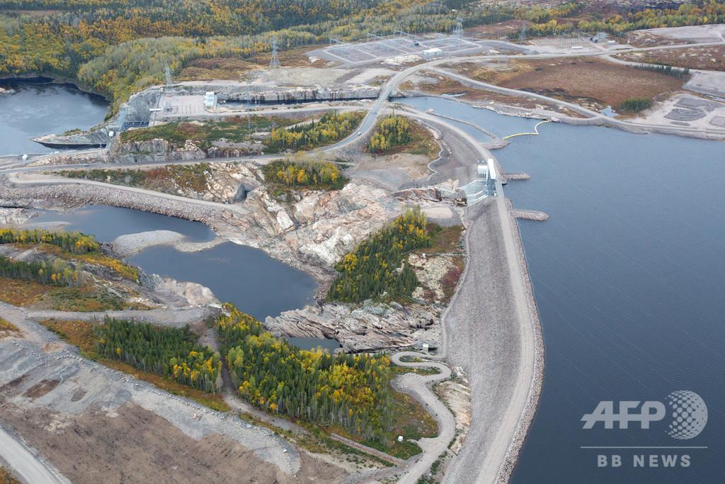 完成間近のケベック水力発電ダム、地元民には葛藤も