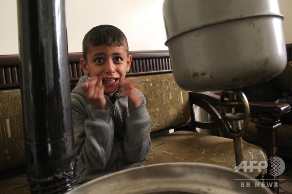 戦地で暮らす自閉症の子ども、必要なケア受けられず シリア