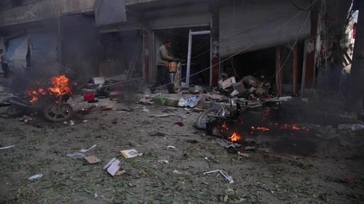 動画:トルコ軍が奪取したシリア北東部の町で自動車爆弾攻撃、少なくとも13人死亡