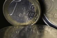 ユーロ、対ドルで1年4か月ぶり安値