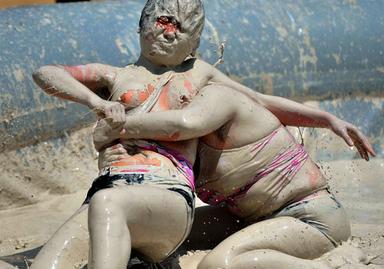 lucha barro femenina:
