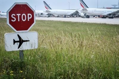 欧州の空の便、遅延の3割以上が「フランスのせい」 仏上院報告書
