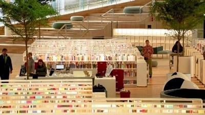 動画:ロボットが本を運搬! フィンランドに「次世代図書館」開館