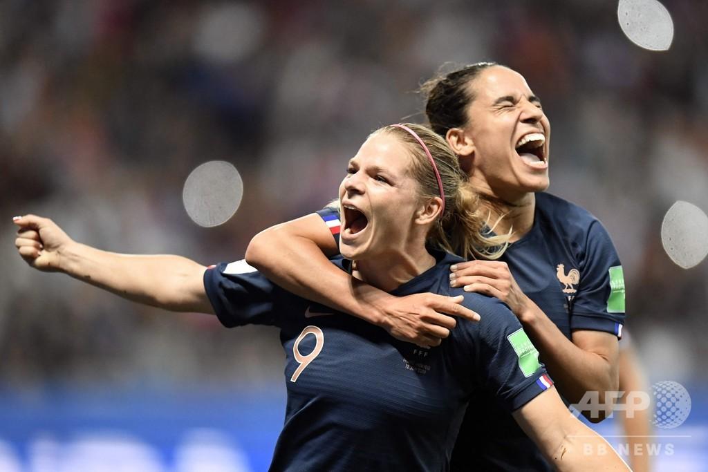 開催国フランスが2連勝、グループ首位通過へ前進 女子W杯