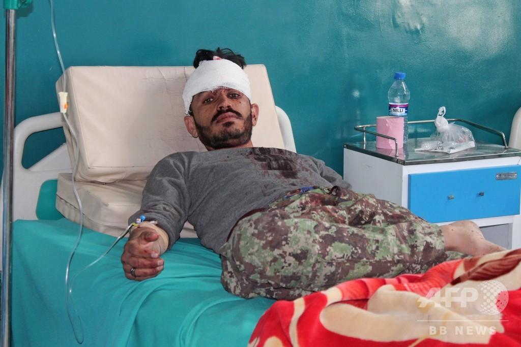 アフガン軍事基地に自爆攻撃、5人死亡 タリバンが犯行声明