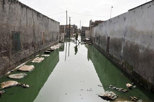 洪水引かず、セネガルの小学校で授業に支障