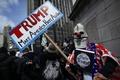 反トランプ派、NYで大規模デモ アリゾナ州では道路封鎖