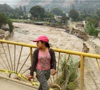 洪水で深刻な被害受けた川沿いの線路、ペルー