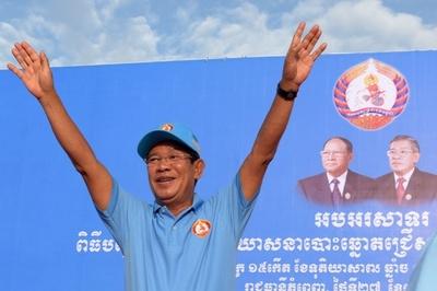 カンボジア首相 「反逆者の排除」成功をアピール、29日に総選挙