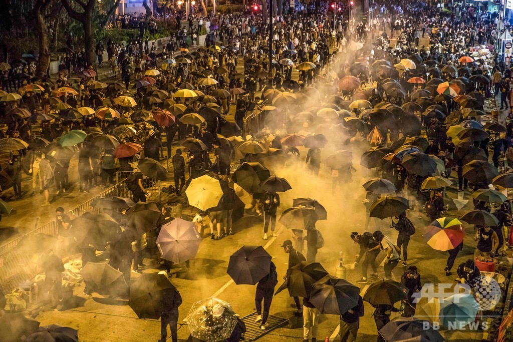 「未開人」「テロリスト」…中国国営メディアにみる香港デモ報道