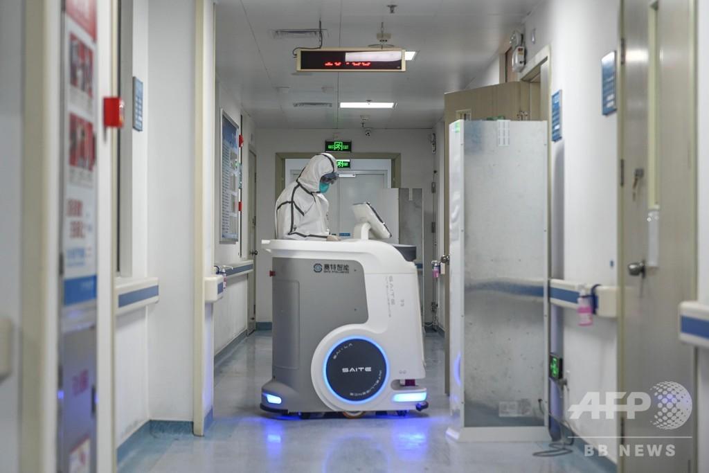 病院内の配送ロボット登場、院内感染の軽減に期待 中国・広東省