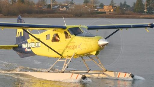 動画:世界初、完全電動商用機の試験飛行 カナダ・バンクーバー