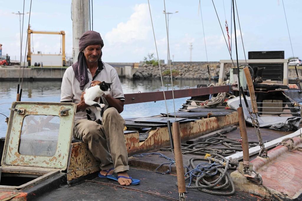 猫と7か月間漂流、ポーランド人男性をインド洋で救助