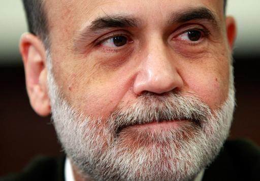 FRB議長「長引く景気低迷に直面」、ILO「失業者2千万人増も」