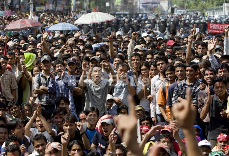 ネパール王制廃止、国王に王宮退去期限を通知へ