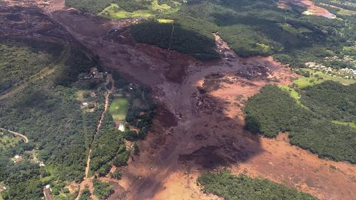 ブラジルでダム決壊、9人死亡 300人不明