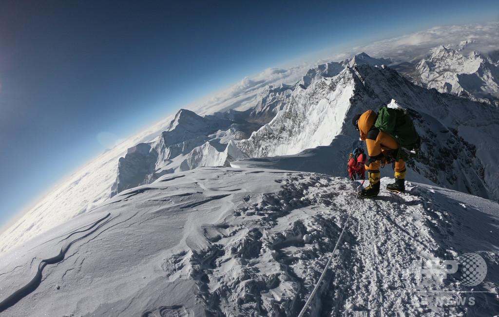 エベレストで新たに登山者2人死亡、今シーズンの死者10人に