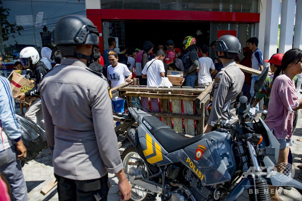 インドネシア軍「略奪行為には発砲を」 地震・津波被災地のスラウェシ島