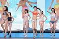 ビキニ姿の女性モデル、フラッシュモブダンス披露 都内