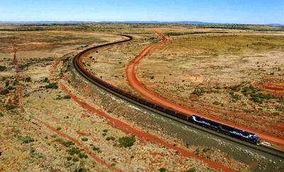 全272両編成の貨物列車が約1時間暴走、脱線させて停止 豪