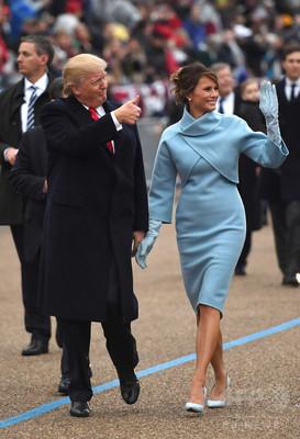 メラニア夫人、就任式で着た服はラルフローレン 絶賛の声