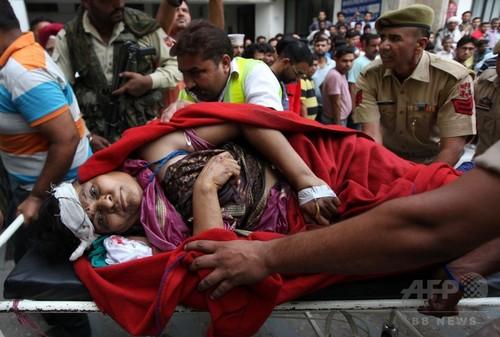 バスが渓谷に転落、ヒンズー教徒の巡礼者16人死亡 インド北部