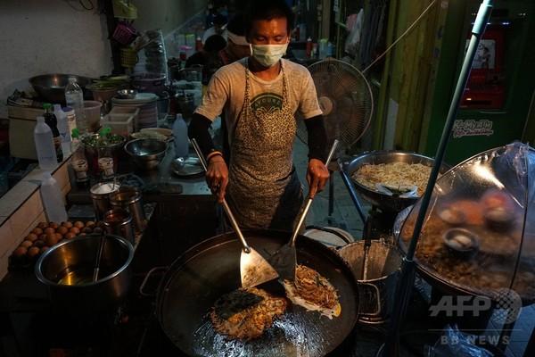 タイ・バンコク名物の屋台、主要道路で営業禁止に 美化活動の一環