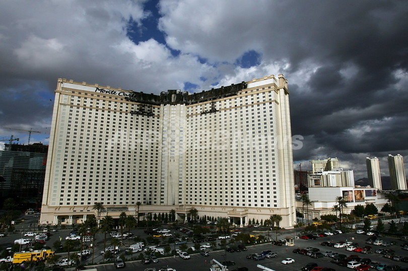 米ラスベガスの有名カジノホテルで火災