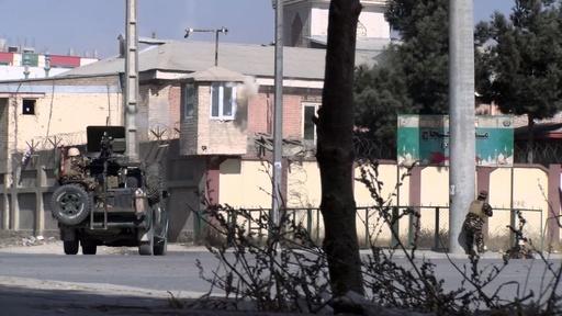 動画:アフガンでTV局襲撃、25人死傷も「沈黙せず」と放送即再開