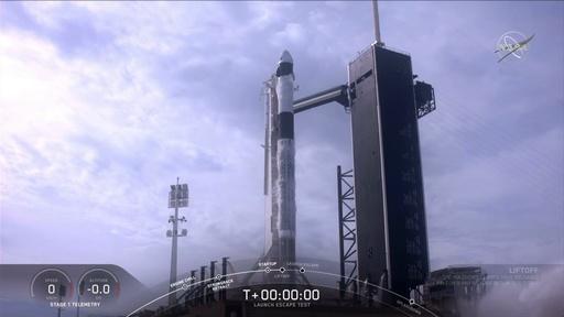 動画:スペースX、宇宙船クルー・ドラゴンの緊急脱出試験に成功